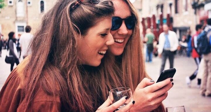 101 Tinder Pick Up Lines That Are Way Better Than Just Saying 'Hi'
