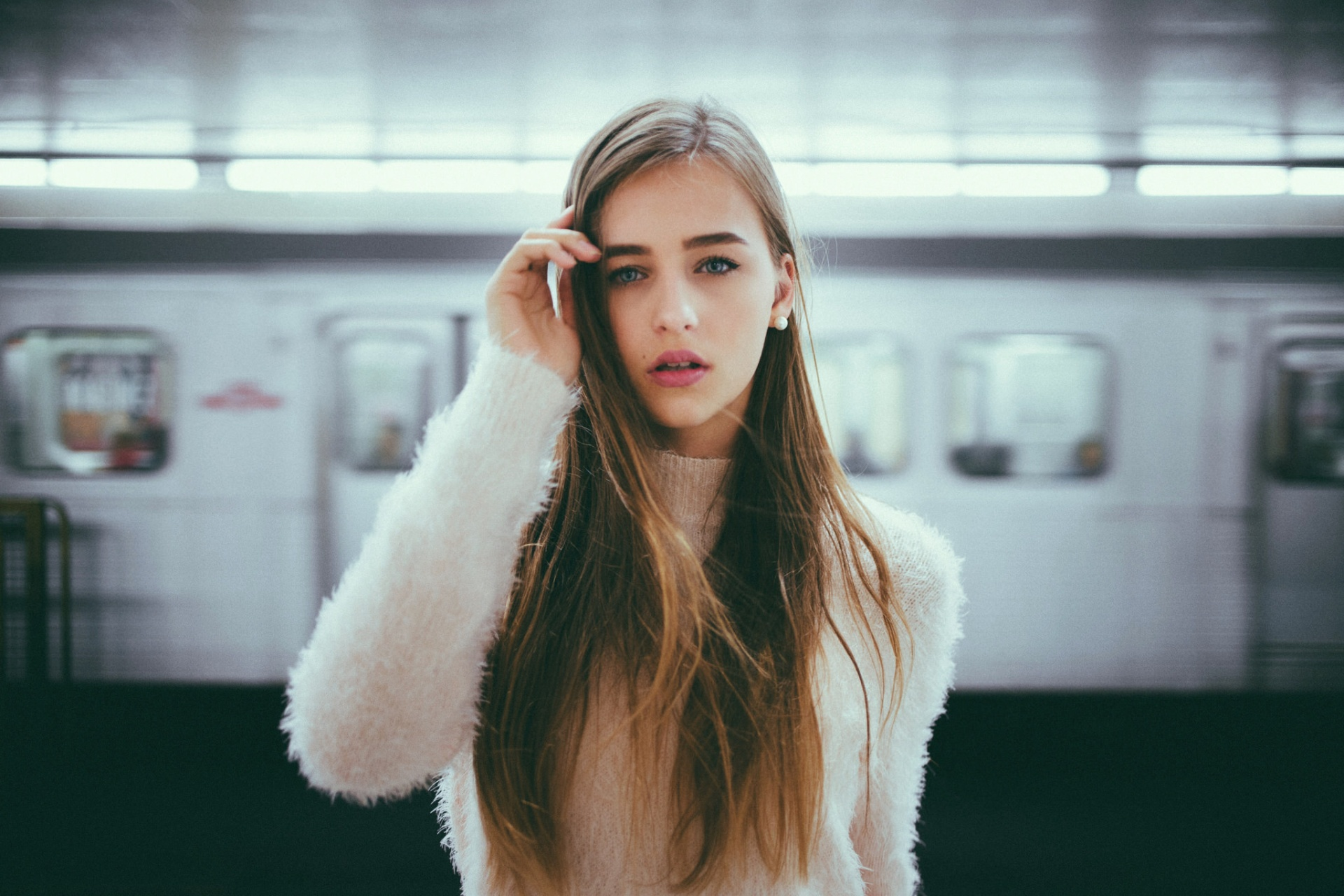 25 Signs You May Be Clairsentient — Someone Who Feels Things Very Deeply