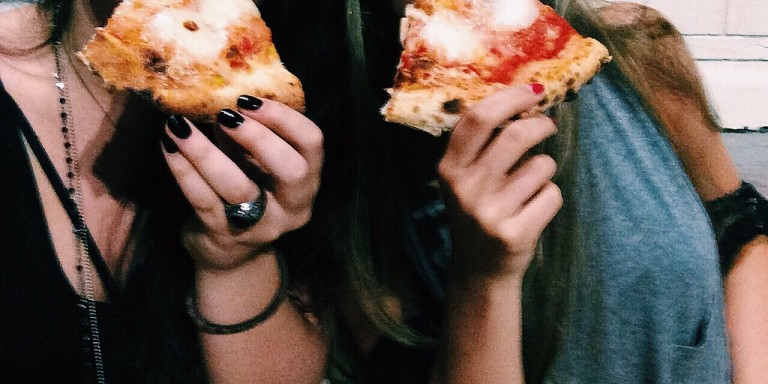 17 Signs You Have An Unhealthy Obsession With Your Best Friend