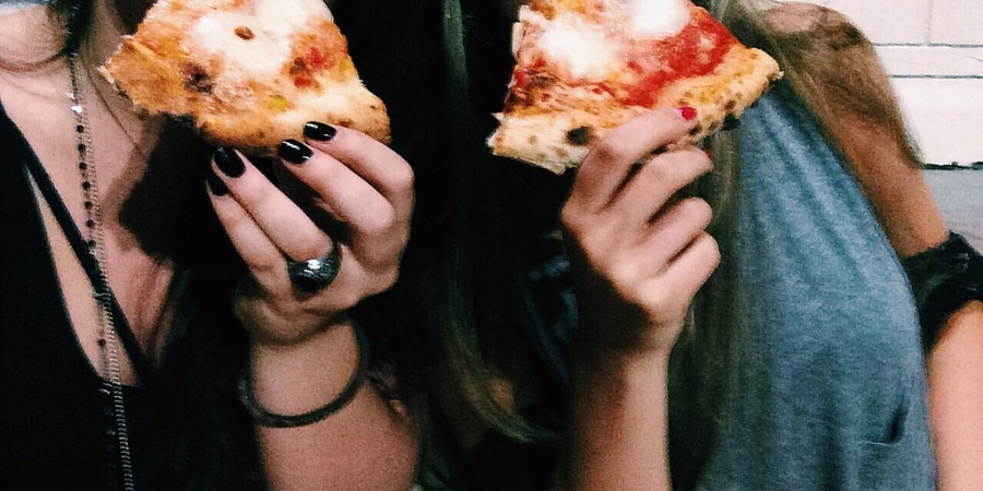 17 Signs You Have An Unhealthy Obsession With Your BestFriend