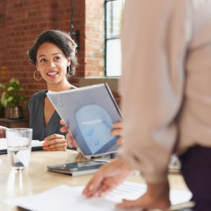 5 Ways To Be A Standout Colleague
