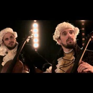 """These Really Hot Virtuoso Cellists Covering """"Smooth Criminal"""" Will Blow You Away"""