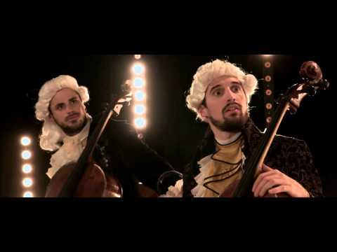 """These Really Hot Virtuoso Cellists Covering """"Smooth Criminal"""" Will Blow YouAway"""