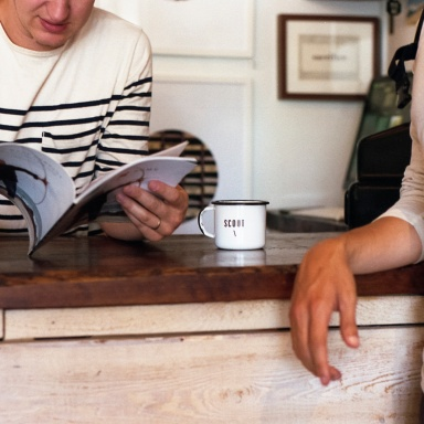 15 Steps To Faking That You're Cool Enough To Sit In That Hipster Coffee Shop