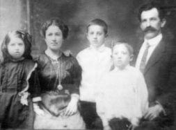 Saretsky family