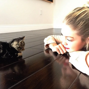 19 Celebrities With Their Adorably Famous Pets To Celebrate #NationalPetDay