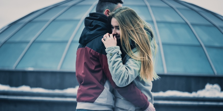 Why It's Totally Okay To Be Clingy In Relationships