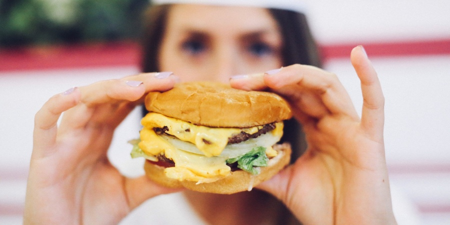 Why We Do Not Tell Skinny Women To Eat Cheeseburgers