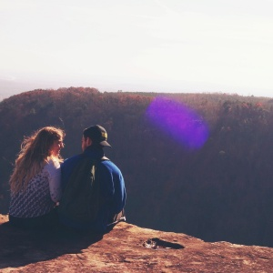 What You Usually Like To Talk About On A First Date, Based On Your Zodiac Sign