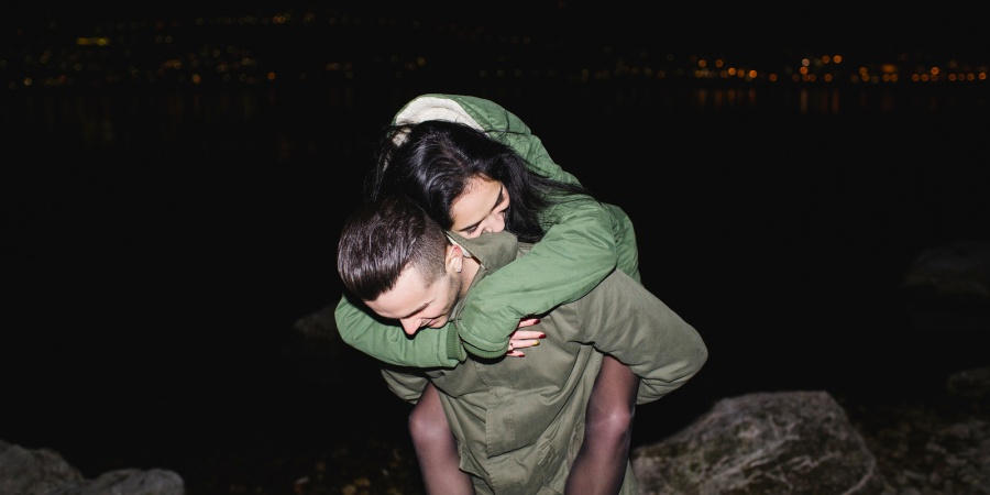 How To Tell If An ENFP Likes You (As Told By 32 ENFPS)