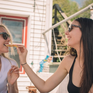 Why Prioritizing A Relationship In Your 20s Is The Worst Decision You Can Make