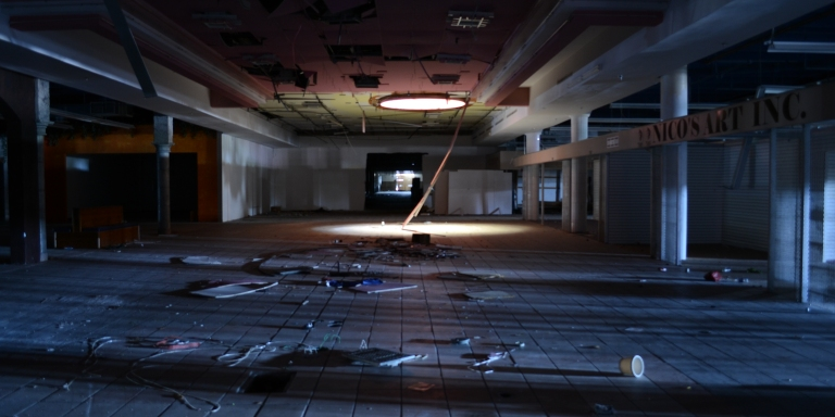 On Friday The 13th We Entered An Abandoned Mall But Not All Of Us LeftAlive