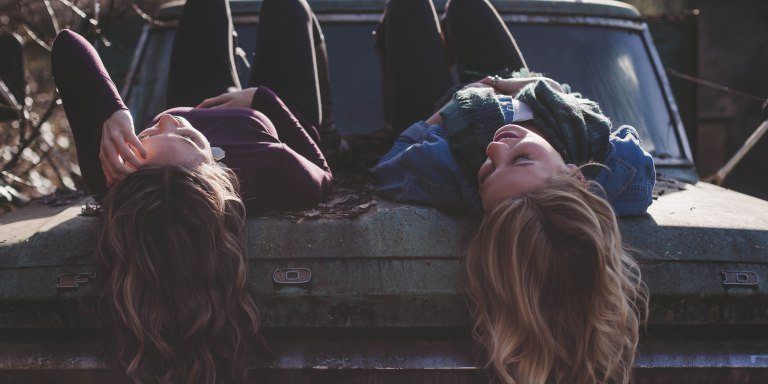 15 Ways A Woman With A Supportive Best Friend LovesDifferently