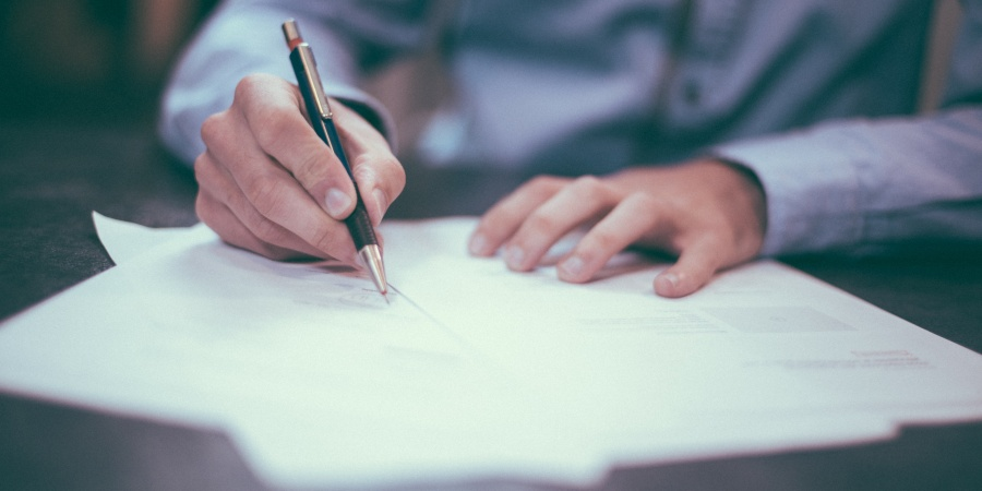 5 Reasons Why We Should Keep Handwriting Letters To The People WeLove