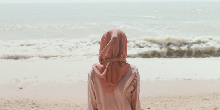 How Wearing A Head Scarf Set MeFree