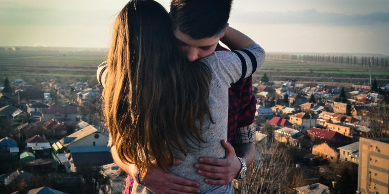 8 Perks Of Dating The Girl With A BigHeart