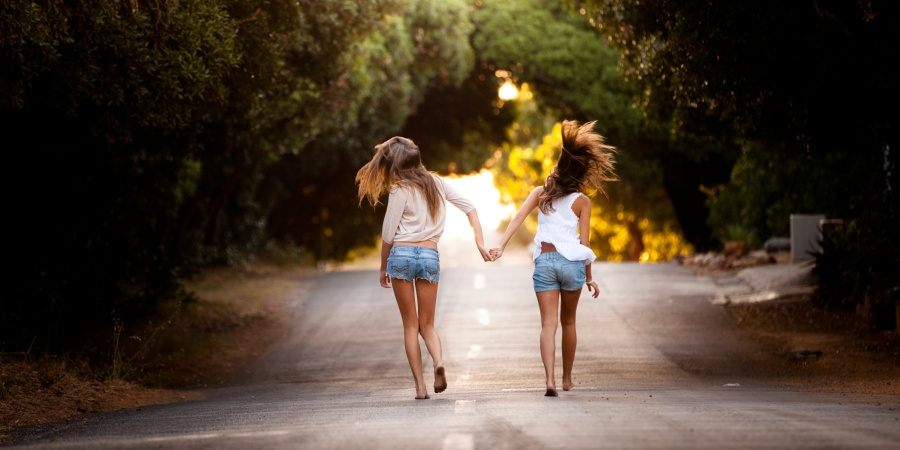 7 Moments When All You Need Is Your Childhood Best Friend