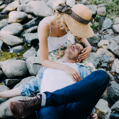 11 Ways Your Partner Is Subtly Saying 'I Love You', If Their Love Language Is 'Acts Of Service'
