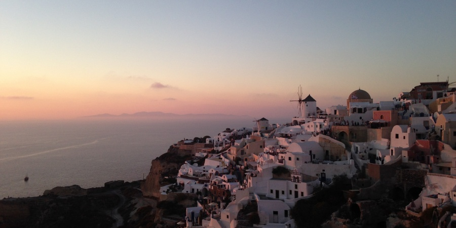 5 Reasons You'll Definitely Fall In Love With Santorini