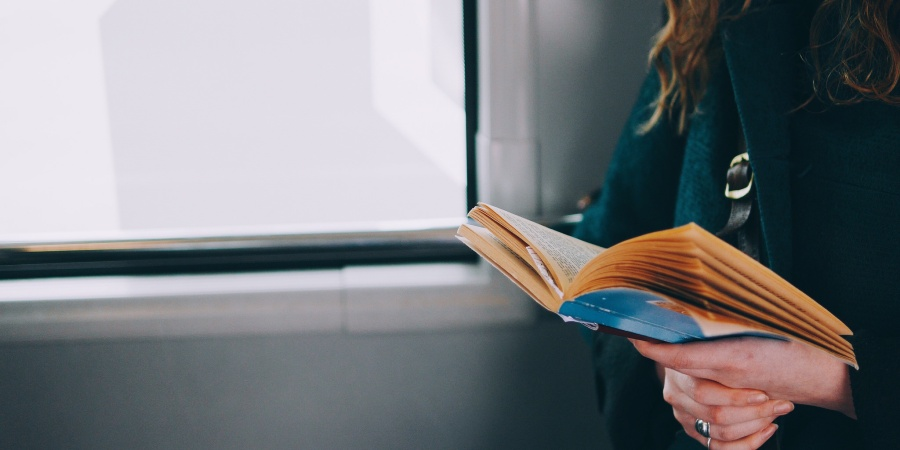 Date A Woman WhoReads