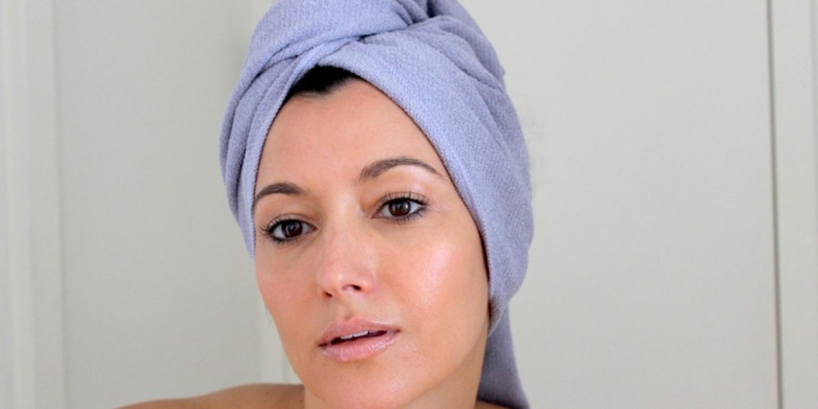 Experiencing Hair Loss As A Young Woman: 5 Solutions ThatWork