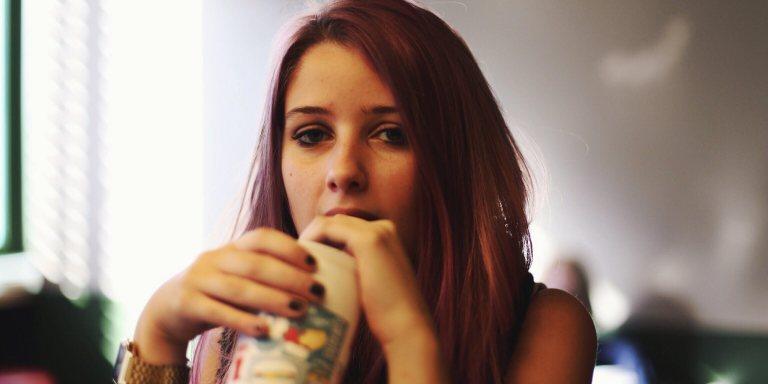 22 Desperate Things Women Do That Send MenRunning