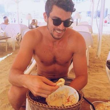 25 Sexy Photos Of Hot Dudes Eating Hummus That Will Actually Turn You On