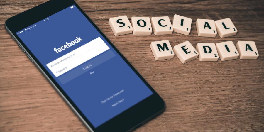 5 Ways Social Media Slowly Ruins YourLife