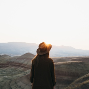 31 Healing Bible Verses For Every Woman Who Feels Alone