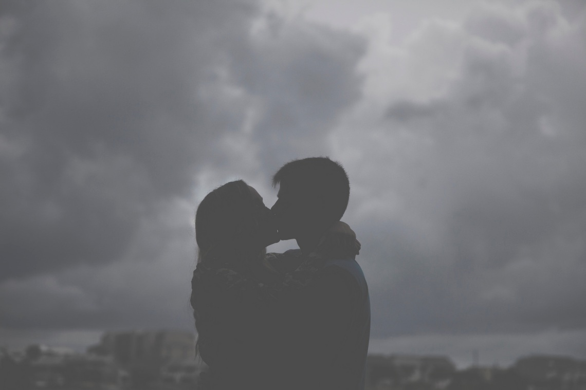 Prixel Creative / Lightstock -  www.lightstock.com/photos/couple-kissing--33