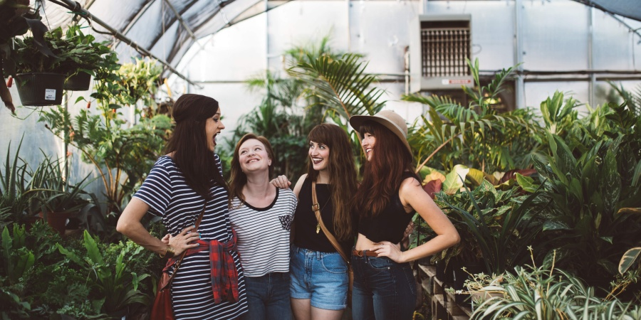 7 Subtle Signs They're A Fake Friend, Not A RealOne