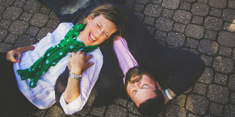 15 Unromantic Ways You Know Someone Really LovesYou