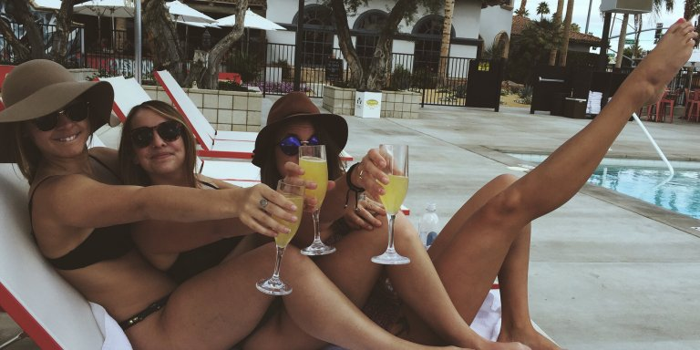 8 Types Of Friends Every Girl Has That Complete A Well-Balanced FriendGroup
