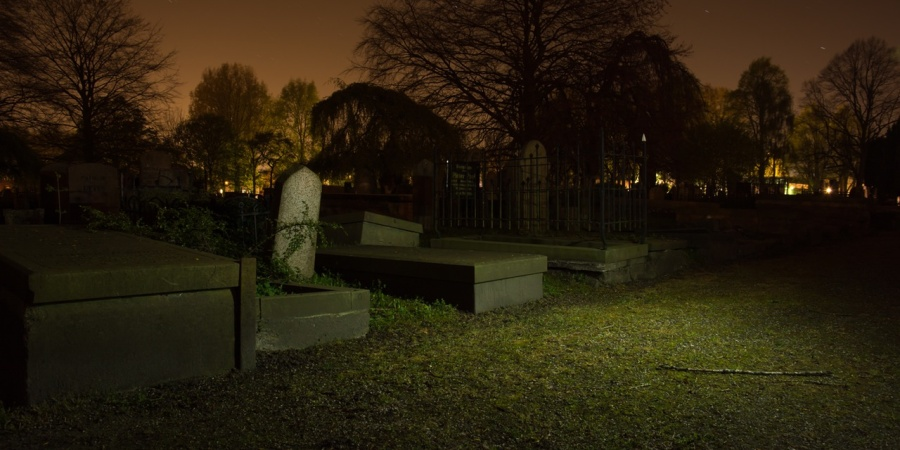 25 Average People Describe The Night They Discovered A Dead Body