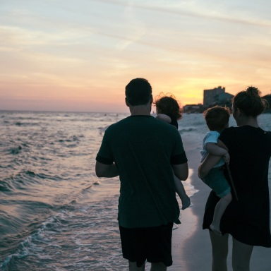 What It's Like To Lose Both Of Your Parents At A Young Age