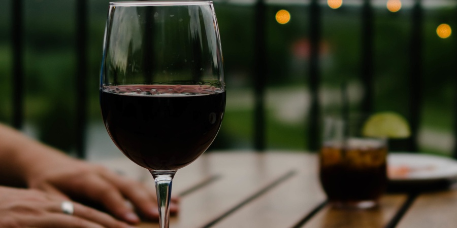 5 Perfect Reasons It's The Best Time Of Year To Fall In Love With Red Wine