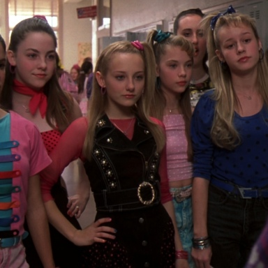 15 Steps To Avoid Interacting With Teenage Girls