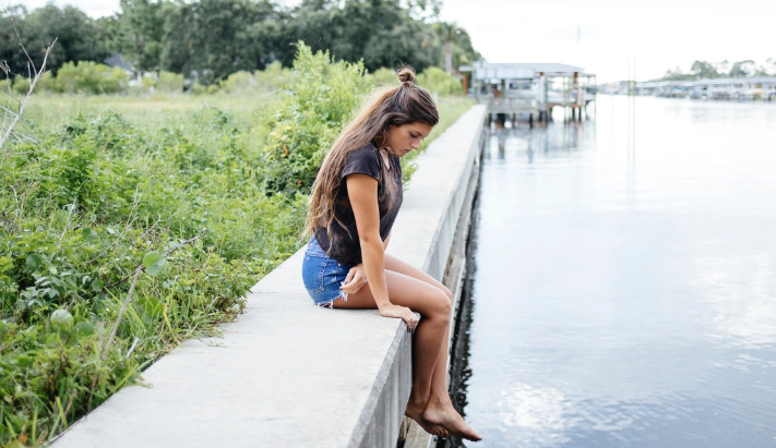 7 Painful Stages Of A Breakup We're All Too Familiar With And How To Get ThroughThem