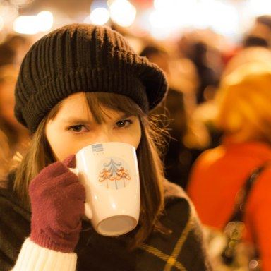 11 Types Of People You Encounter At Christmas Markets: As Told By The Grinch