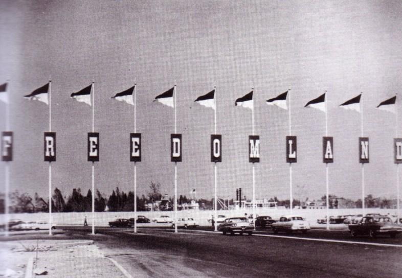freedomland-sign