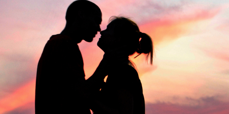 Why It's Not 'Pathetic' To Use A DatingCoach