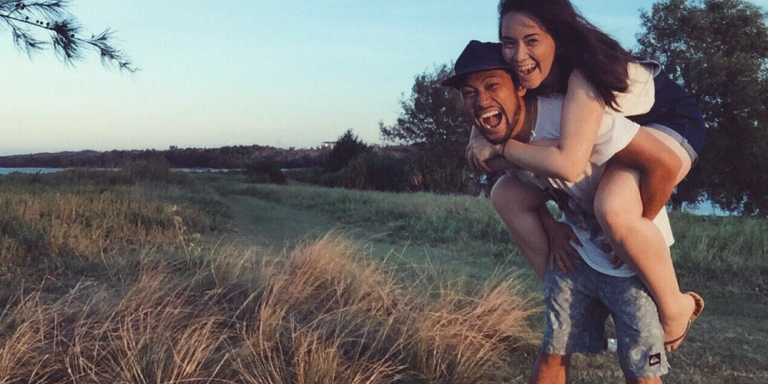 10 Things A Modern Guy Does That Make Him A Straight-Up 'Fairytale' Boyfriend
