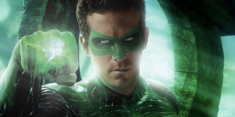 Ryan Reynolds Says He Was 'Pretty Much Unhirable' After Green LanternMovie