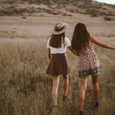 35 Little Things Your Best Friends Definitely Deserve A 'Thank You' For Doing