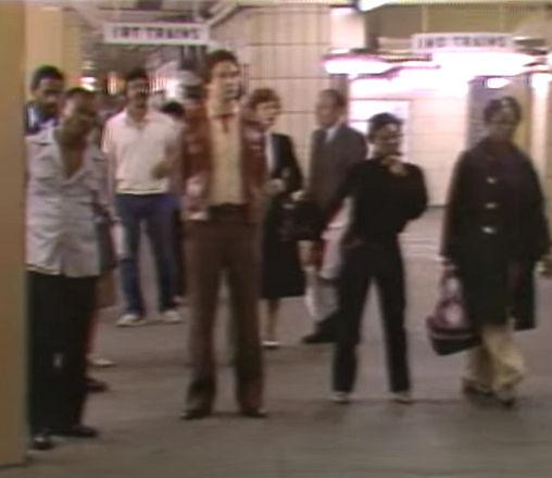 1980-subway-platform-crowd