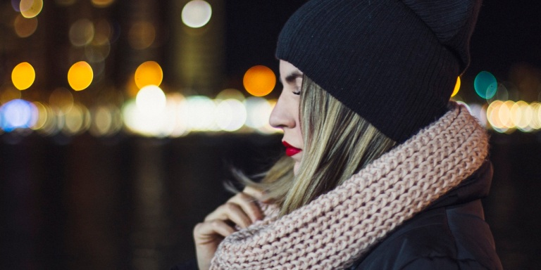 12 Things You Don't Realize She's Doing Because She FeelsWorthless