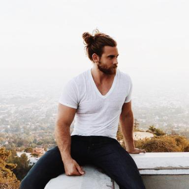 17 Beautiful Man Buns That Will Drive You Wild