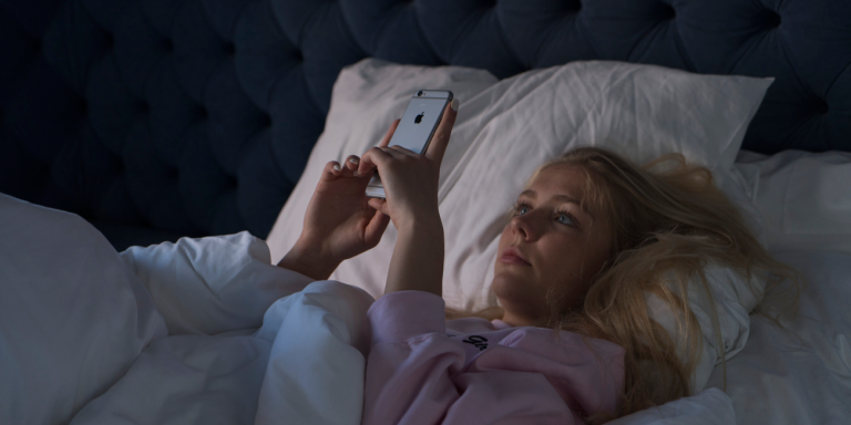 7 Questions You Should Ask Yourself Before Texting YourEx