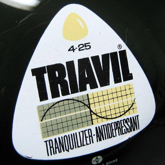 triavil-ashtray