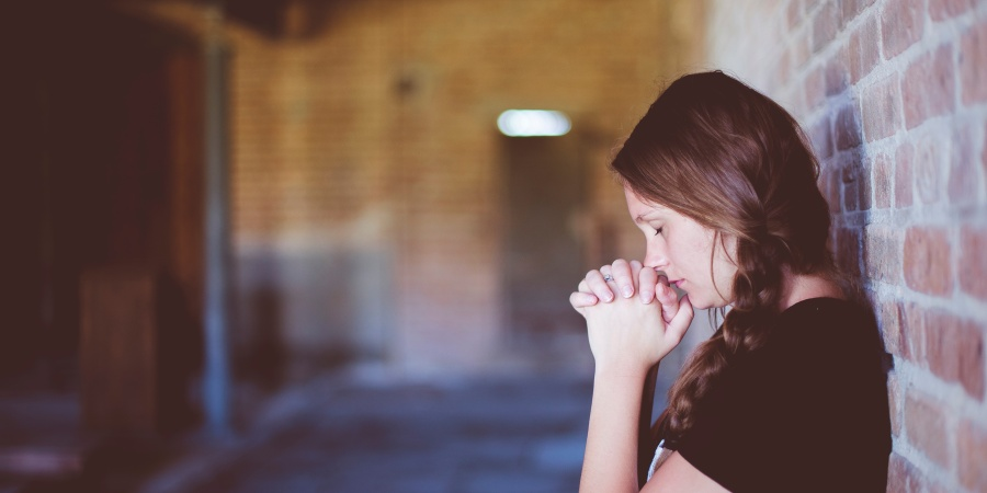 21 Bible Verses To Calm Your AnxiousHeart